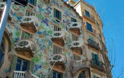 The Antoni Gaudi Guide to Barcelona