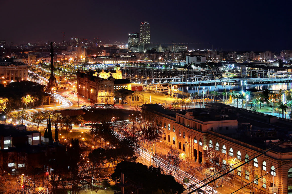005 barcelona at night
