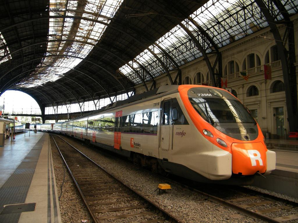 barcelona commuter train